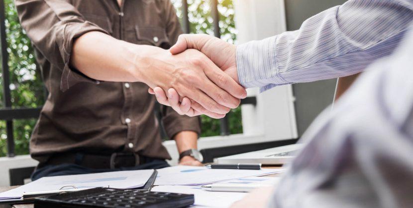 Negociar dívidas com clientes inadimplentes não precisa gerar dor de cabeça. Veja nossas dicas!